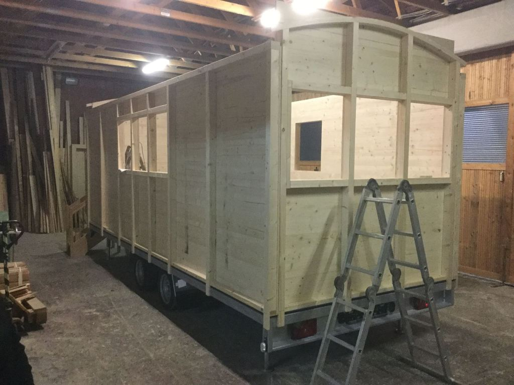 Kühlschrank Dämmung Aufbau : Zirkuswagen holzaufbau aufbau mit dämmung dach