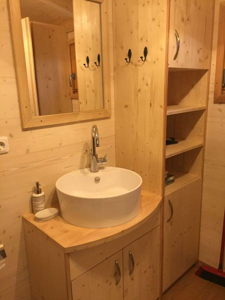 autark im minihaus wasserversorgung im tiny house. Black Bedroom Furniture Sets. Home Design Ideas