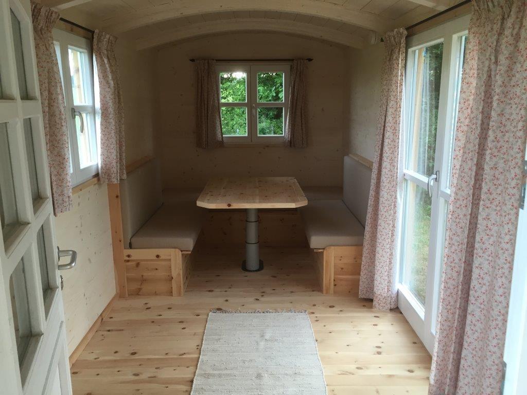 haus auf r dern fahrbares rollendes gartenhaus. Black Bedroom Furniture Sets. Home Design Ideas