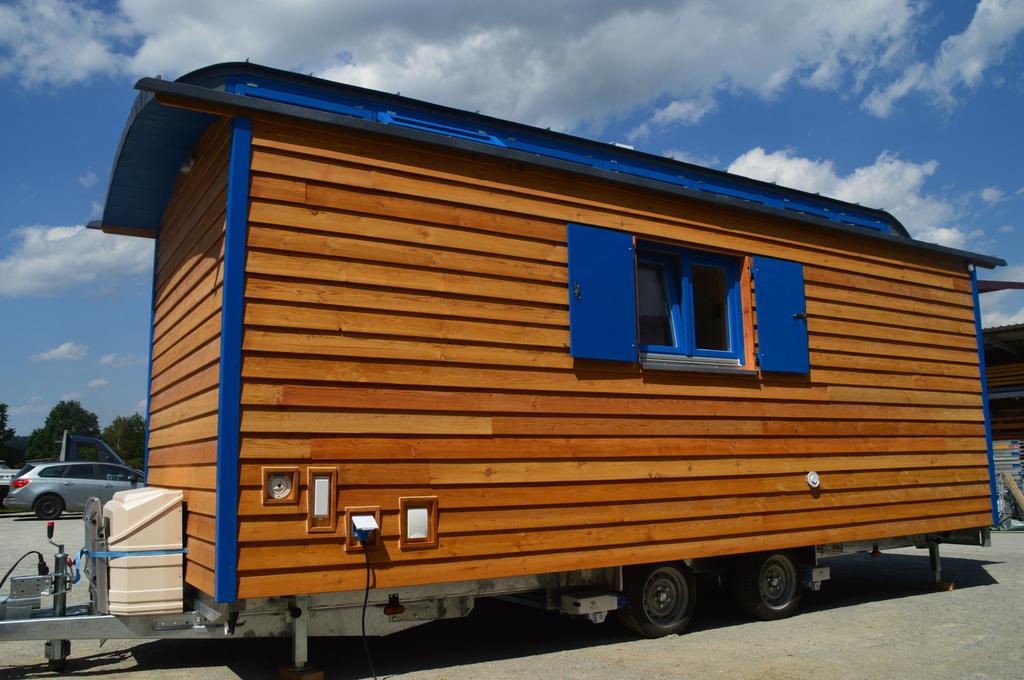 oberlichtwagen schaustellerwagen zirkuswagen. Black Bedroom Furniture Sets. Home Design Ideas