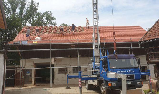 Wohnhaus und Bauernhof Dachsanierung