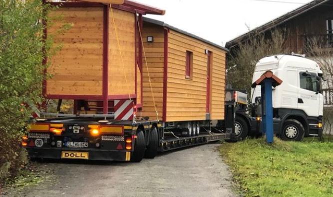 Waldkita Bauwagen Lieferung